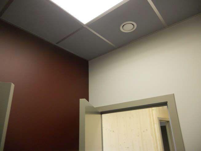 Enduit + tapisserie en cellulose + peinture sur les murs + faux plafonds