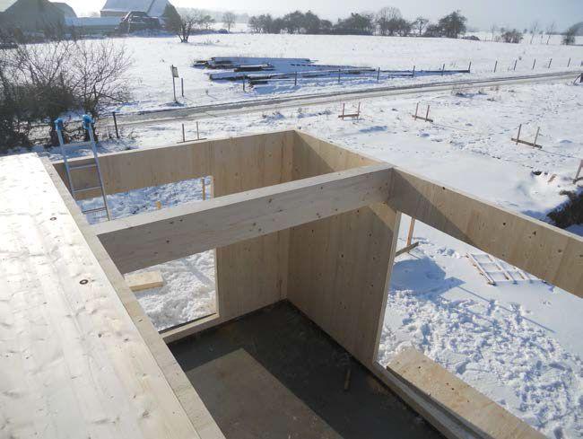 Processus constructif Montage des panneaux de bois lamellé contrecollé croisé - 2